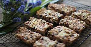 Presentation photo of Chunky breakfast muesli bars